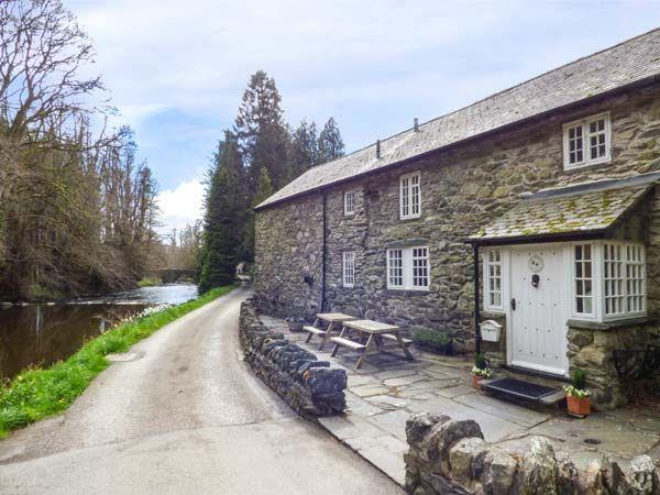 Beater's Cottage in Clwyd