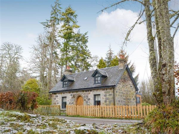 Beaufort Cottages - Mid-Lodge, Beauly, near Inverness