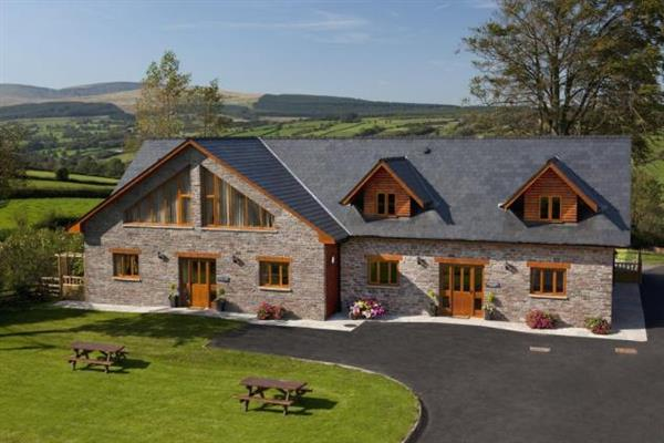 Beech Tree Eco Lodge in Powys