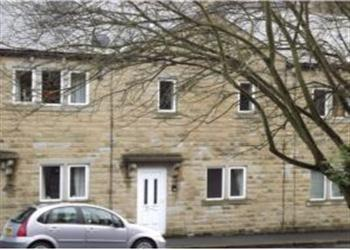 Belle Isle Cottage  in West Yorkshire