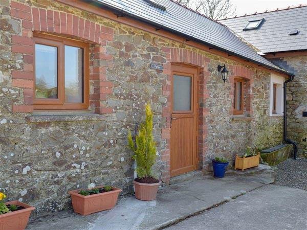 Blaenhirbant Isaf Cottages - Parlwr in Cwmsychpant, near Lampeter, Ceredigion, Dyfed