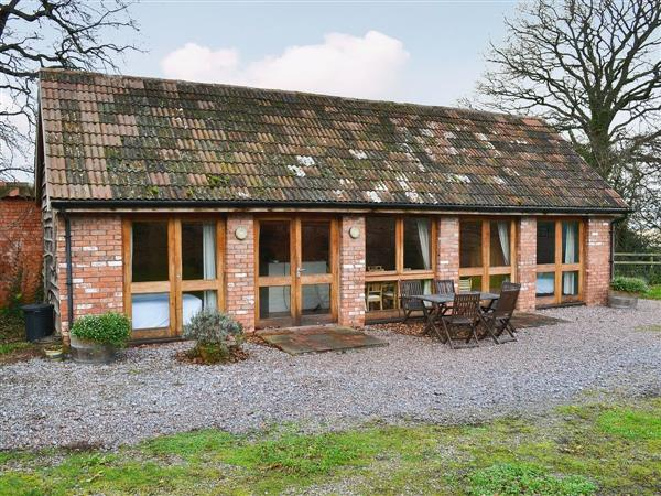 Blue Door Cottages - The Hen House in Somerset