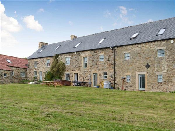 Bowlees Holiday Cottages - The Farmhouse from Cottages 4 You