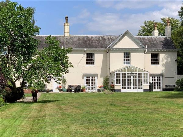 Braydeston House, Brundall, near Norwich, Norfolk with hot tub