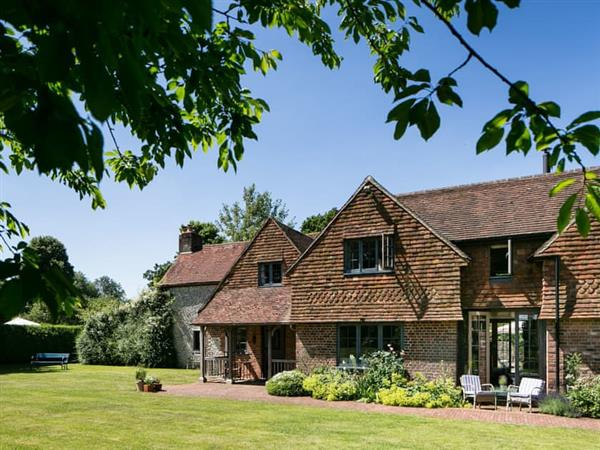 Brockwood Farmhouse and Dairy Annexe in Hampshire