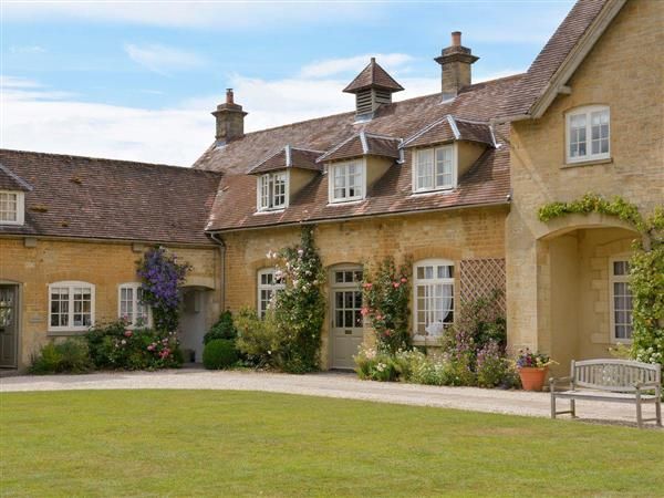 Bruern Holiday Cottages - Aintree in Oxfordshire