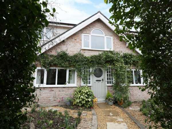 Bryn Cottage in Clwyd