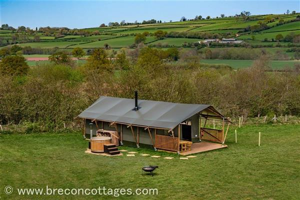 Buzzard Lodge in Talybont-on-Usk, Powys