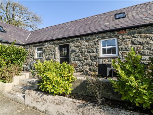 Bwthyn y Dderwen (Oak Cottage) in Gwynedd