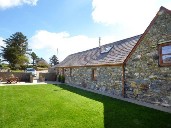 Cae Garw Barn from Sykes Holiday Cottages