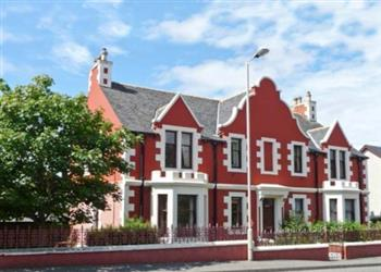 Cairn Dhu Apartment from Sykes Holiday Cottages