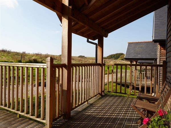 Calbourne Water Mill Eco-houses - Badgers Oak in Isle of Wight