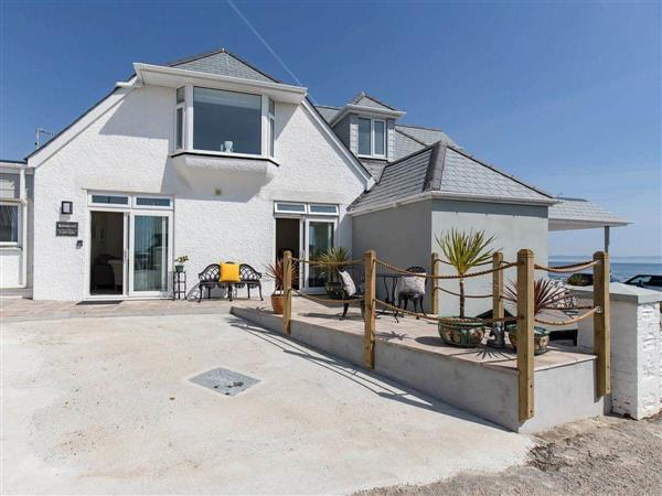 Calico Holiday Apartments - Roselyn in Cornwall