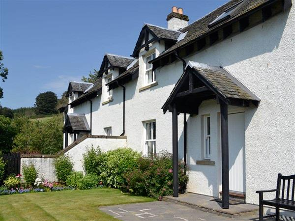 Cally Farm Cottages - Thistledown in Ballintuim, near Blairgowrie, Perthshire