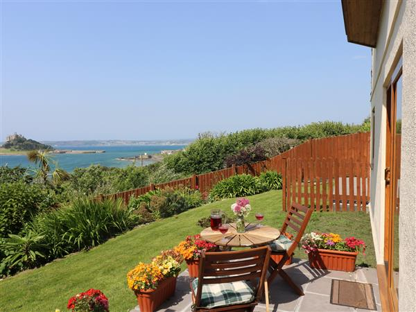 Castle View Apartment in Cornwall