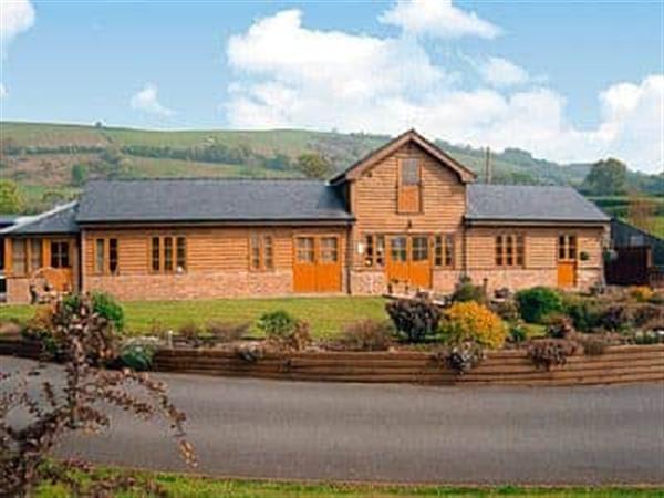 Cefn Colwyn Barn in Powys