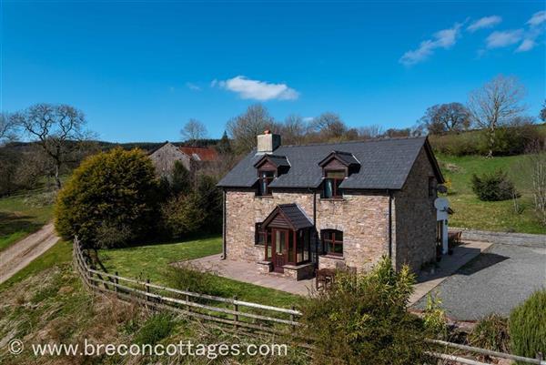 Cefncoed Mawr Farmhouse in Llandefaelog Fach, Powys