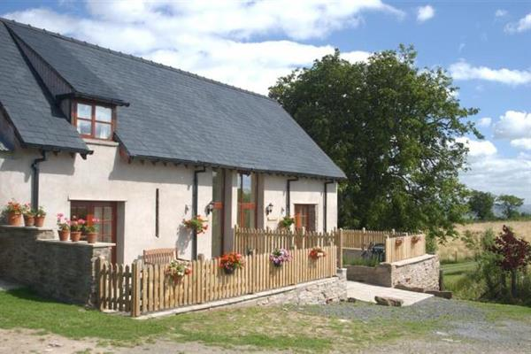 Chestnut Cottage in Powys