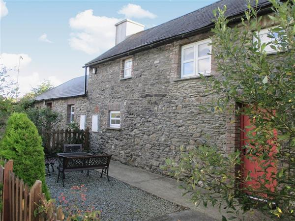 Chloes Country Cottages - Uncle Toms Barn, Poulmaloe, near Whitechurch, Co. Wexford