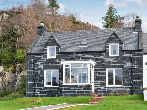 Cliff Cottage in Ross-Shire