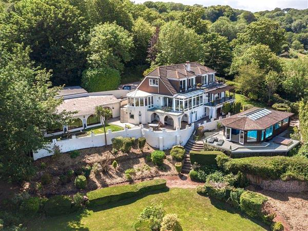 Cliff Lodge Ref Heej In Torquay Devon With Hot Tub Cottage Weekend And Short Breaks At Holiday Cottages In South West England