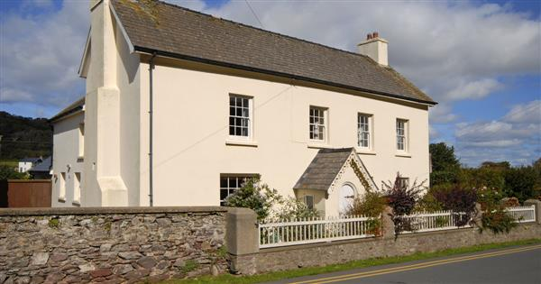 Coldstream Lodge in Dale, Dyfed