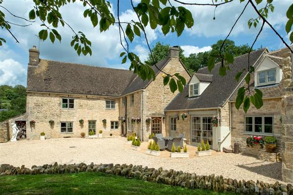 Cotswold Valley Manor from Oliver's Travels