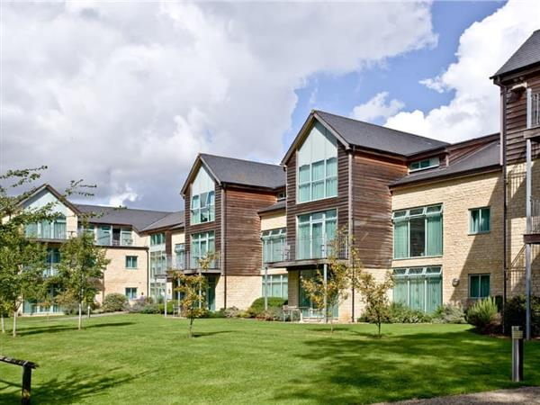 Cotswold Water Park Apartment 9 in Cirencester, Gloucestershire