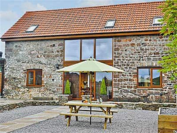 Court Farm Holiday Barns - The Granary in Gloucestershire