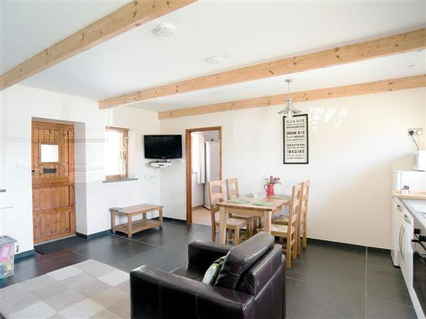 Court Farm Holidays - Hayloft in Cornwall