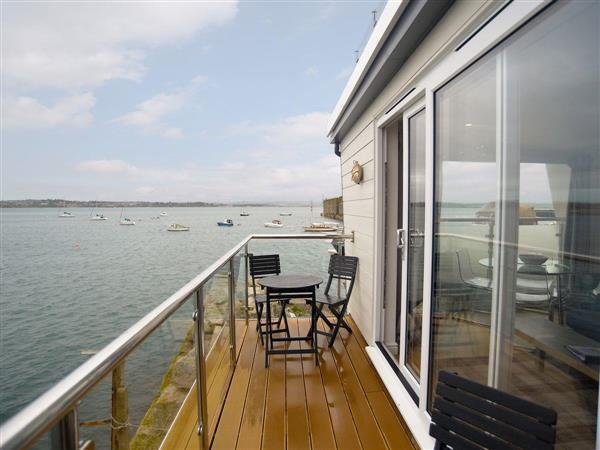 Crabbers Wharf - Chiefs Suite from Cottages 4 You