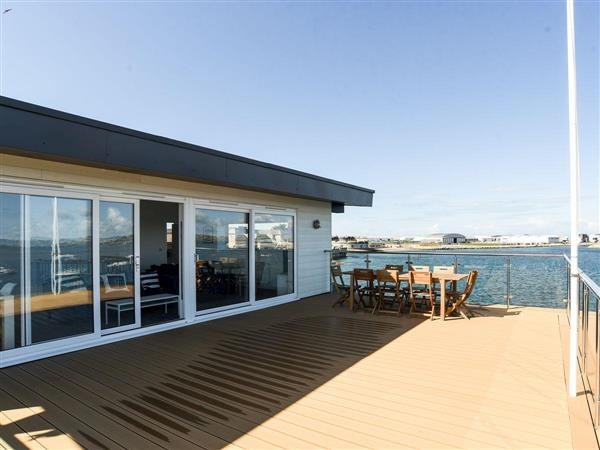 Crabbers Wharf - Commodores Penthouse Suite in Dorset
