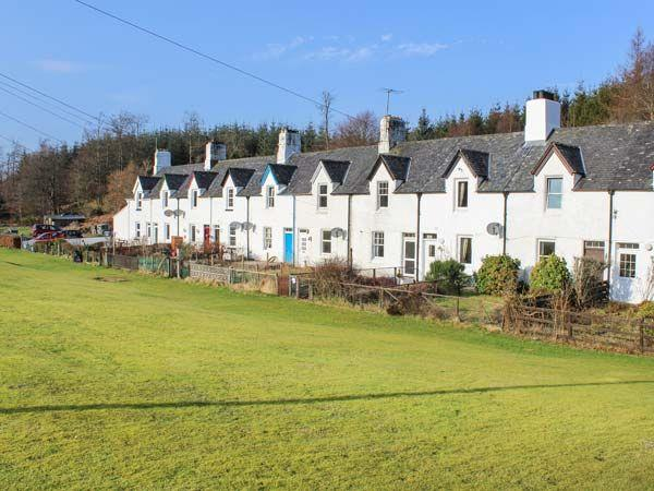 Crinan Canal Cottage No8 in Argyll