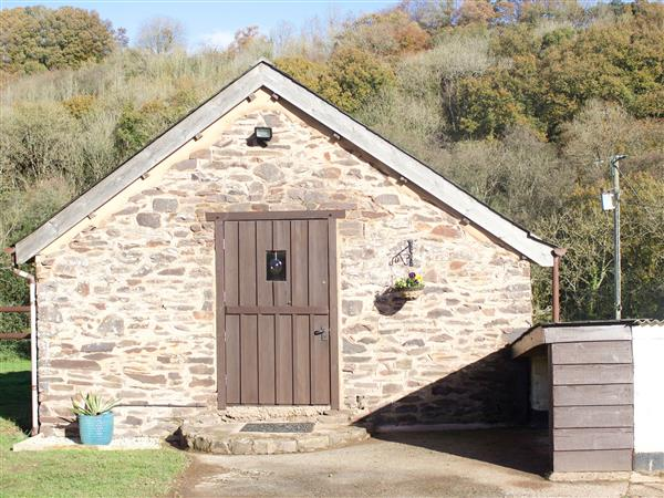 Crooke Barn, Withleigh near Tiverton with hot tub