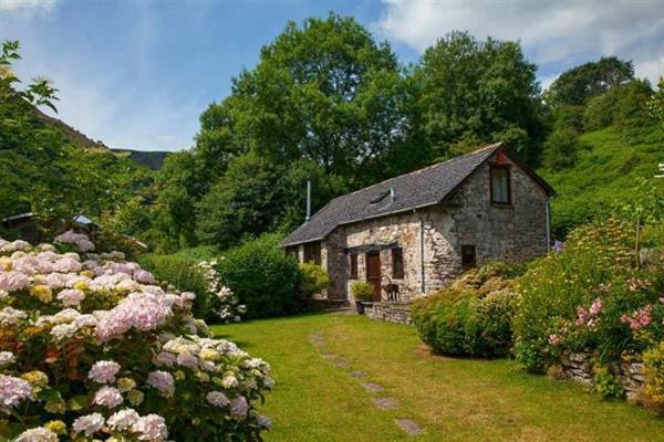 Cwm Bach Barn in Powys