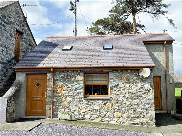 Cwt y Ci from Sykes Holiday Cottages