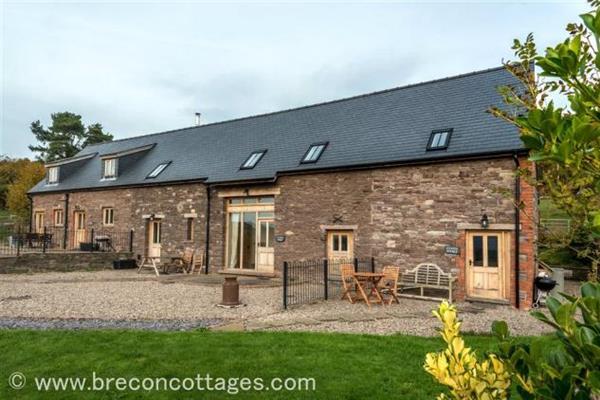 Cynfin Barn in Powys