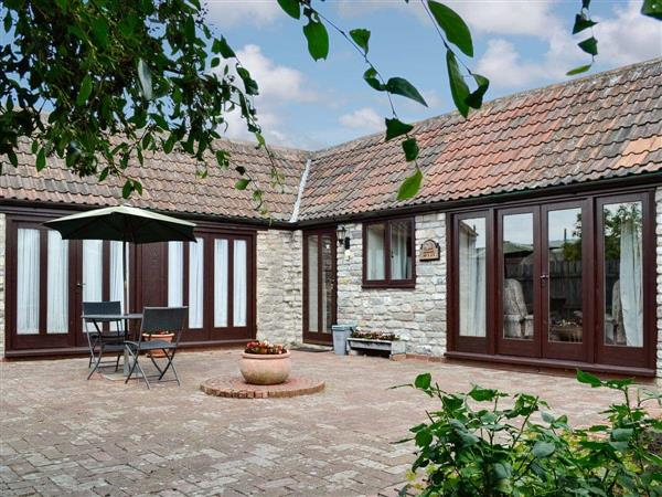 Daisy Cottage in Avon