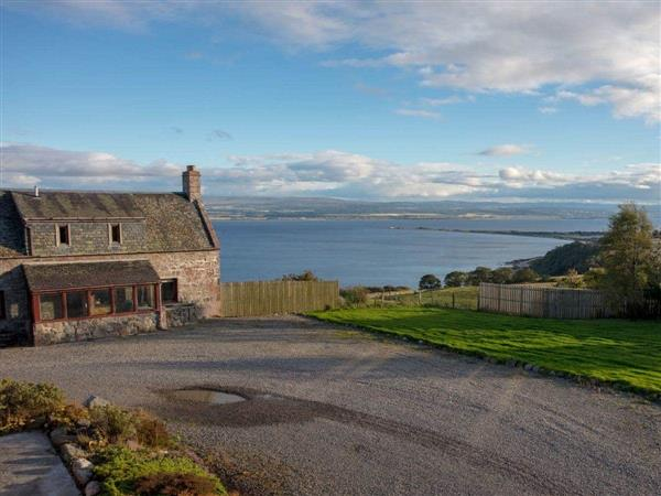 Dolphin View Cottages - Farmhouse in Ross-Shire