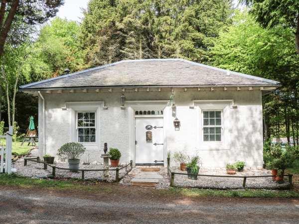 Dove Hot Tub Cottage, Berwickshire