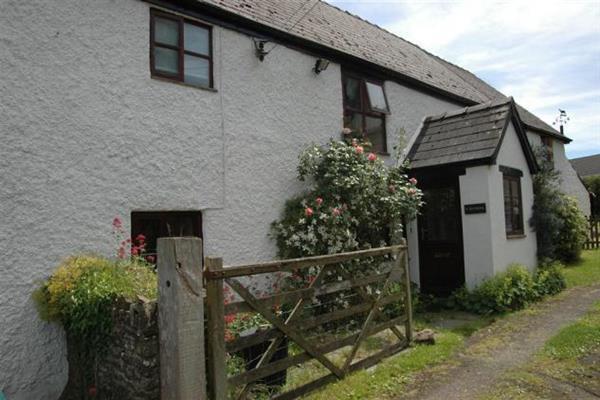 Dyffryn Cottage in Powys