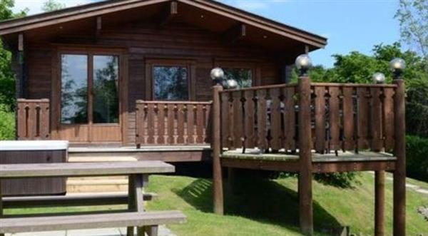 Eagle Owl Lodge in Powys