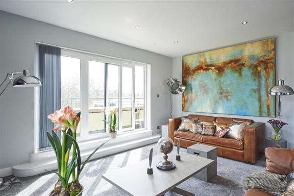 Edinburgh Hill Penthouse in Midlothian