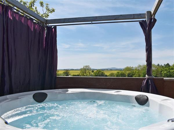 Elderflower Lodge in Worcestershire