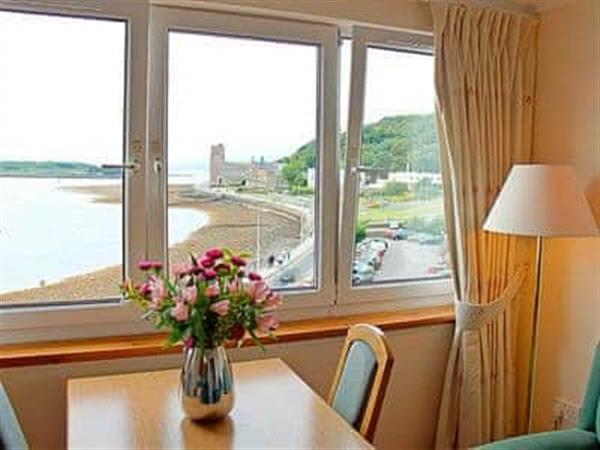 Esplanade Court - Apartment in Argyll