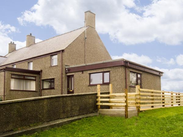 Ffordd Deg Ddu from Sykes Holiday Cottages