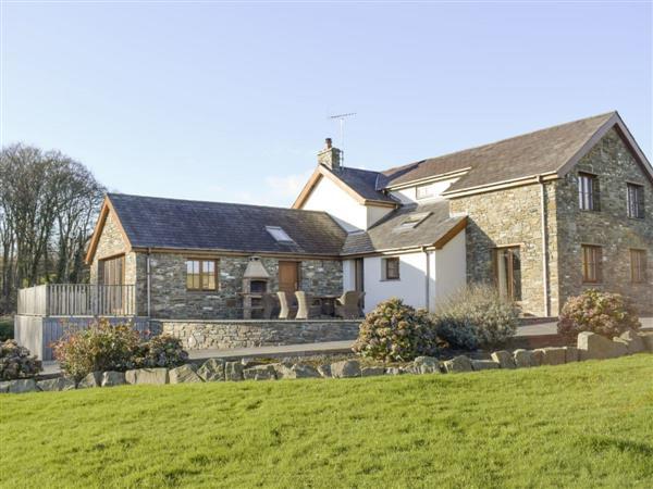 Ffynnon Meredydd Farm House in Dyfed