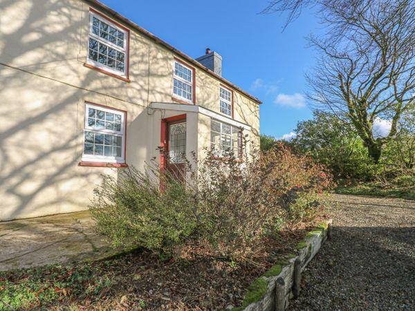 Ffynnondici Farmhouse from Sykes Holiday Cottages