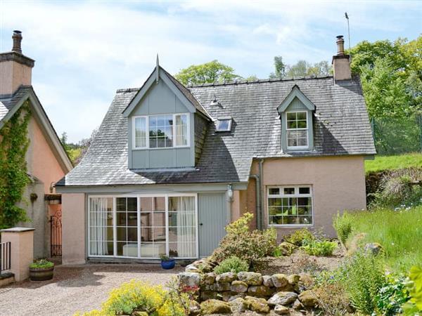 Finzean Estate Cottages - Garden Cottage in Finzean, near Banchory, Aberdeenshire