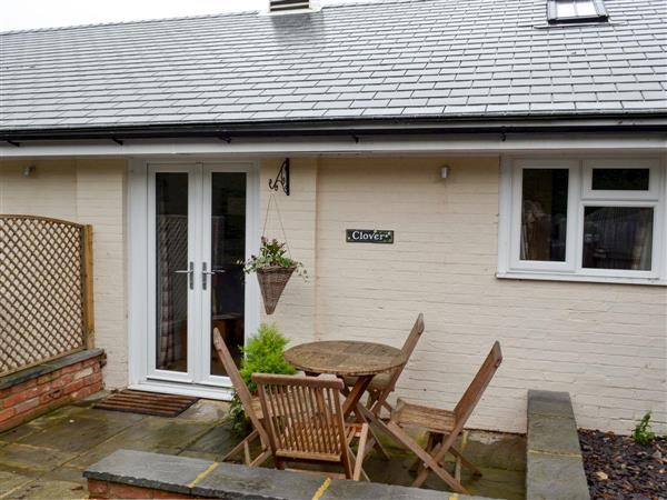 Fishers Farm Holiday Cottages - Clover in West Sussex